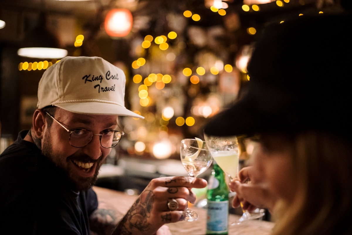 6 REASONS YOU SHOULD GO DRINKING WITH A BARTENDER